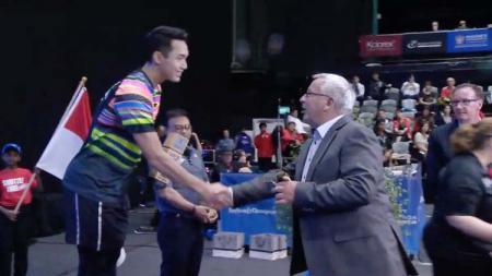 Jonathan Christie berhasil menerima penghargaan sebagai juara  New Zealand Open. - INDOSPORT