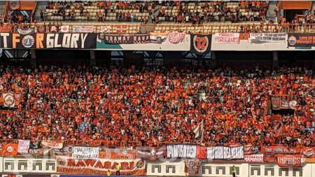 Jakmania, pendukung klub Liga 1, Persija Jakarta. - INDOSPORT