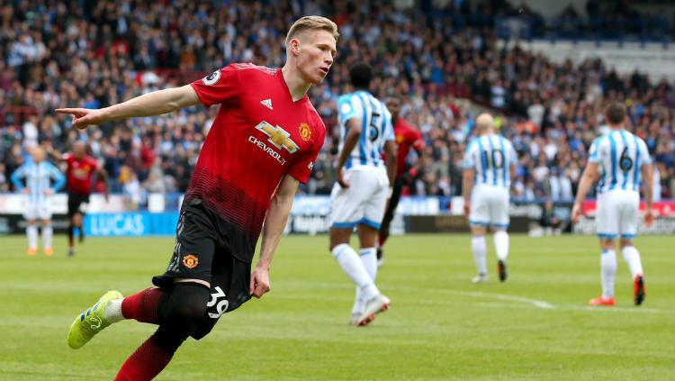 Scott McTominay mencetak keunggulan 1-0 untuk Manchester United ke gawang Huddersfield di Liga Primer Inggris, Minggu (05/05/19). (Foto: MUFC/Getty Images) Copyright: MUFC/Getty Images