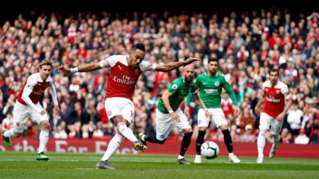 Barcelona dikabarkan tertarik mendatangkan striker Arsenal, Pierre-Emerick Aubameyang, yang dinilai mampu menggantikan Luis Suarez. - INDOSPORT