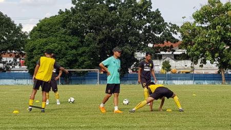 Skuat Sriwijaya FC tengah melakukan latihan. - INDOSPORT