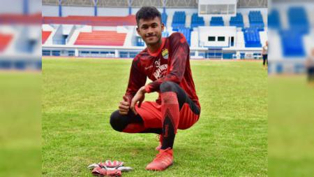 Aqil Savik, kiper muda Persib Bandung yang akan dipinjamkan ke Bandung United di Liga 3 2020. (Foto: instagram.com/aqil_savik) - INDOSPORT