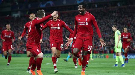 Ekspresi kegembiraan para pemain Liverpool usai menghajar Barcelona dengan skor telak 4-0 pada leg kedua Liga Champions 2018/19. Chris Brunskill/Getty Images. - INDOSPORT