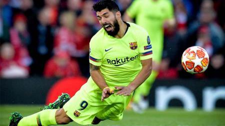 Luis Suarez sempat bermasalah dengan Andrew Robertson saat leg kedua semifinal Liga Champions 2018/19 Liverpool vs Barcelona. - INDOSPORT