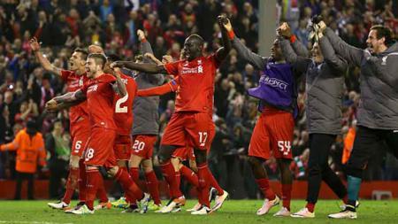 Penyelenggara Liga Europa mencoba membangkitkan kenangan indah Liverpool saat berhasil mengalahkan Borussia Dortmund. - INDOSPORT