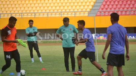 Sriwijaya FC saat sedang latihan di Palembang. - INDOSPORT