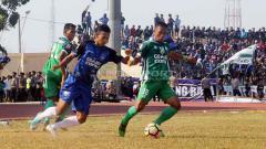 Indosport - Perburuan PSIS Semarang akan sosok full back dikabarkan sudah menemukan hasil. Foto: Ronald Seger Prabowo/INDOSPORT