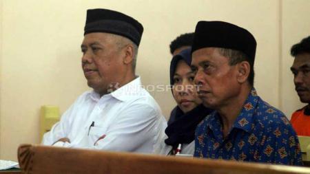 Sidang kedua kasus mafia bola, Lasmi dkk dapat dukungan dari suporter Persibara. Foto: Ronald Seger Prabowo/INDOSPORT - INDOSPORT