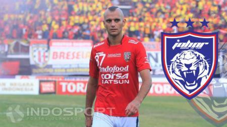 Kiko Insa saat berseragam Bali United dan tak terpakai di Johor Darul Takzim - INDOSPORT