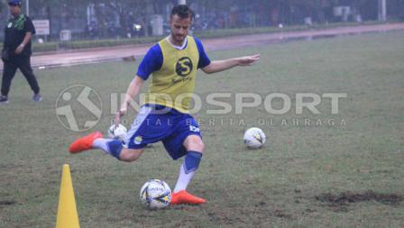 Pemain anyar Persib Bandung, Rene Mihelic sudah ikut latihan.