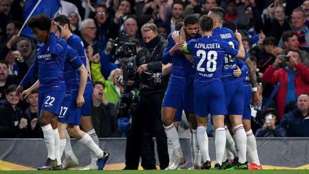 Selebrasi para pemain Chelsea saat unggul sementara atas Eintracht Frankfurt di semifinal leg 2 Liga Europa 2018-19