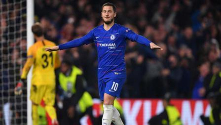 Selebrasi pemain megabintang Chelsea, Eden Hazard setelah memastikan timnya lolos ke final Liga Europa 2018-19.