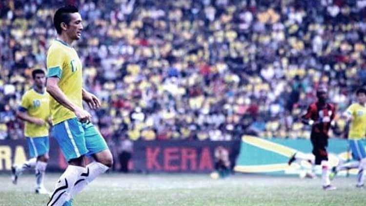 Aldo Barreto Miranda saat berseragam Gresik United. Copyright: Twitter@Aldo_Barreto17