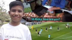 Indosport - Rizky, korban Tsunami Palu yang bertemu Riyad Mahrez dan nonton Manchester City