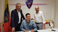 Indosport - Lecce klub yang baru dipromosikan ke liga Serie A musim 2019/20 mendatang.