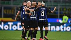 Indosport - Selebrasi dari para pemain Inter Milan saat unggul atas Chievo.