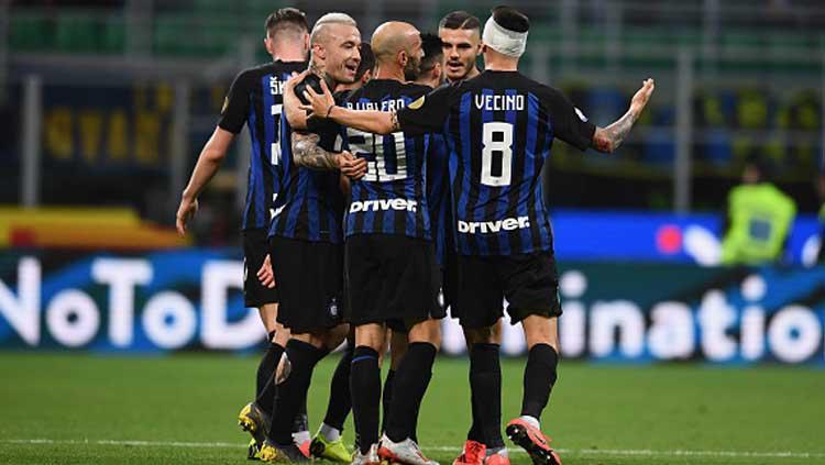 Selebrasi dari para pemain Inter Milan saat unggul atas Chievo. Copyright: Claudio Villa-Inter/GettyImages
