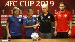 Indosport - Jumpa Pers Persija vs Shan United di piala AFC. Foto Herry Ibrahim/INDOSPORT