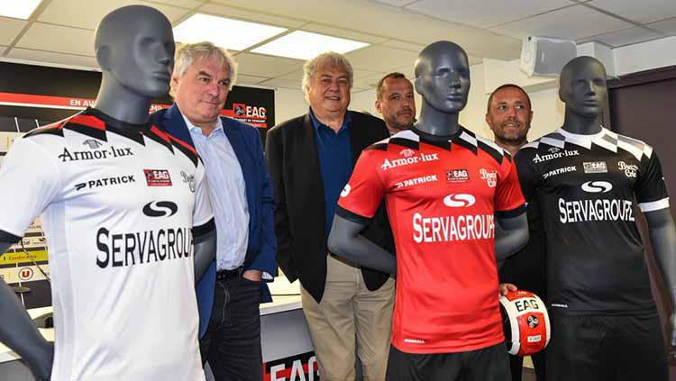 Jersey klub Prancis, EA Guingamp musim 2018/19. Copyright: football kit news
