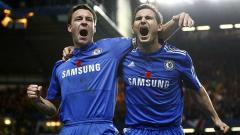 Indosport - John Terry (kiri) dan Frank Lampard saat masih memperkuat Chelsea.