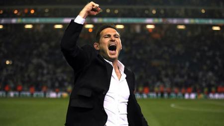 Frank Lampard, kini jadi pelatih Chelsea. - INDOSPORT