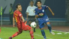 Indosport - Aksi winger PSIS, Septian David Maulana, dalam pertandingan Liga 1 di Stadion Moch. Soebroto, Kota Magelang, Kamis (16/5/19).
