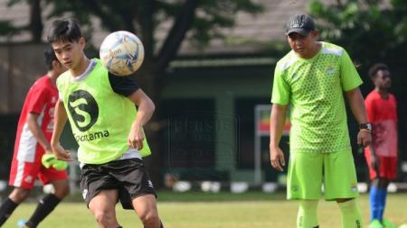 Pemain jebolan Inggris Gary Tannert mengadu nasib di Persib Bandung. - INDOSPORT