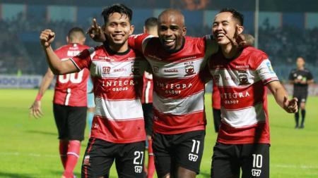 Greg Nwokolo tetap merasa kecewa meski Madura United berhasil menang atas PSM Makassar di Liga 1 2019. - INDOSPORT