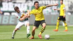 Indosport - Terancam gagal memboyong Granit Xhaka, AS Roma dan pelatih Jose Mourinho beralih memburu bintang murah Borussia Dortmund, Thomas Delaney.