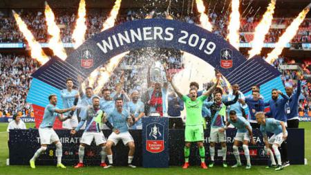 Selebrasi Manchester City usai mejuarai Piala FA 2018/19. Julian Finney/Getty Images. - INDOSPORT