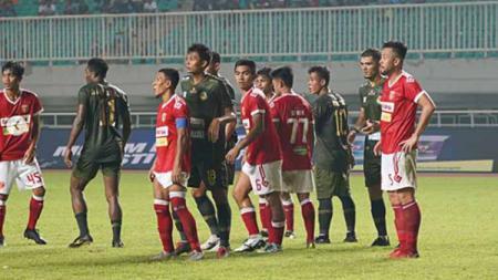 Tim Badak Lampung saat menghadapi Tira Persikabo pada laga perdana Liga 1 2019, Sabtu (18/05/19). Foto: Instagram/@pstni_official - INDOSPORT