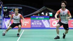Indosport - Kevin Sanjaya/Marcus Gideon bawa Indonesia unggul 1-0 atas Chinese Taipei di perempatfinal Piala Sudirman 2019. Foto: Humas PBSI