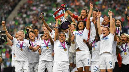 Selebrasi juara tim Olympique Lyon Feminin saat menjuarai Liga Champions Wanita 2018-2019. - INDOSPORT