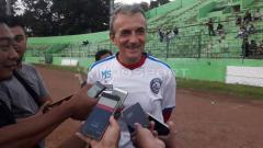 Indosport - Pelatih Arema FC, Milomir Seslija, belum sepenuhnya puas usai menggelar gim internal bernuansa laga uji coba di Stadion Gajayana Malang, Senin (24/6/19).