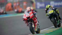 Indosport - Andrea Dovizioso saat memimpin balapan MotoGP Prancis di Sirkuit Le Mans, Minggu (19/05/19).
