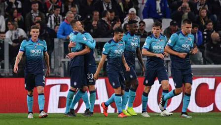 Para pemain Atalanta tertunduk lesu hasil imbang 1-1 dengan Juventus. Tullio M. Puglia/Getty Images