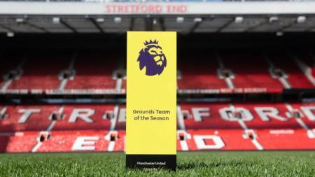 Manchester United membawa pulang trofi Lapangan Terbaik Musim Ini dari PFA. - INDOSPORT