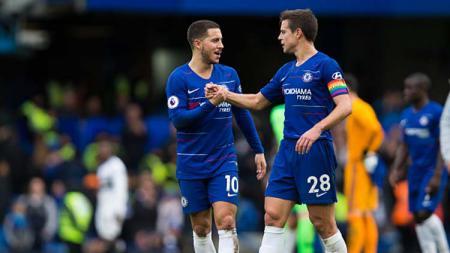 Eden Hazard dan Cesar Azpilicueta, 2 pemain bintang Chelsea. - INDOSPORT