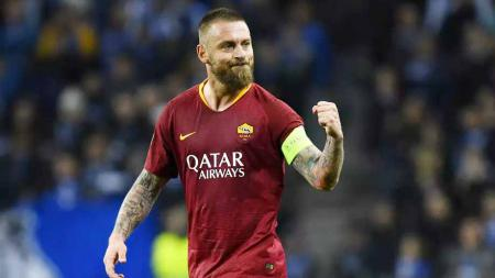 Mantan pemain AS Roma, Daniele De Rossi yang kini berkarier di Boca Juniors. Foto: Octavio Passos/Getty Images - INDOSPORT