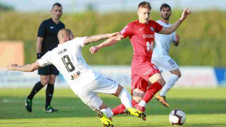 Aksi pemain berdarah Indonesia Joey Suk dalam laga HNK Gorica vs Osijek, Selasa (21/05/19). - INDOSPORT