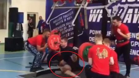 Yaroslav Radoshkevich, atlet angkat berat yang alami patah kaki saat sedang bertanding - INDOSPORT