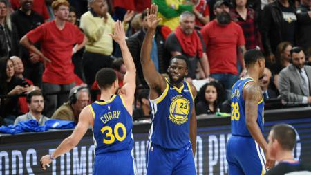 Stephen Curry jadi kunci kemenangan Golden State Warriors atas Portland Trail Blazers. - INDOSPORT
