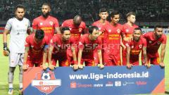 Indosport - Skuat Kalteng Putra saat melawan Persebaya, Selasa (21/5/19).