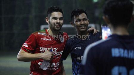 Pemain berdarah Indonesia asal klub Belgia KV Mechelen, Sandy Walsh beberkan jawabannya ketika dinaturalisasi oleh PSSI dan kesempatan berkarier di Liga 1 Indonesia. - INDOSPORT