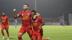 Indosport - Diogo Campos, pemain asing Kalteng Putra yang Liga 1 2019 pekan ke-2 bermain sangat bagus saat kontra Persebaya Surabaya, Selasa (21/5/19) kemarin malam. (Foto: instagram.com/kaltengputra_id)