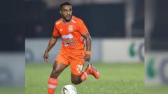 Indosport - Terens Puhiri bermain gemilang ketika Borneo FC melibas Bali United dengan skor enam gol tanpa balas dalam lanjutan pekan ke-23 Liga 1 2019, Jumat (18/10/19).