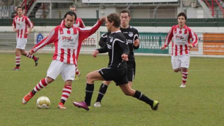 Jordy de Kat (kiri) saat masih berkarier di Belanda - INDOSPORT