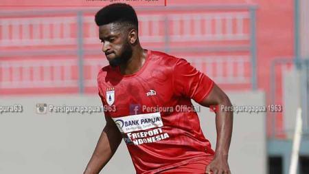 Striker Anyar Persipura Asal Mali, Mamadou Samassa. Foto: MO Persipura - INDOSPORT