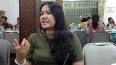 Indosport - CEO PSS Sleman Viola Kurniawati. Foto: Ronald Seger Prabowo/INDOSPORT
