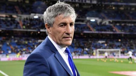 Pelatih sepak bola Barcelona, Quique Setien, kabarnya bakal mengijinkan gelandang mereka untuk gabung ke klub Ligue 1 Prancis, AS Monaco, di bursa transfer. - INDOSPORT